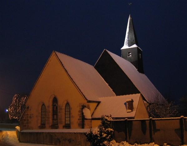 L'église de Paucourt, sous la neige, le 1er Janvier 2004.