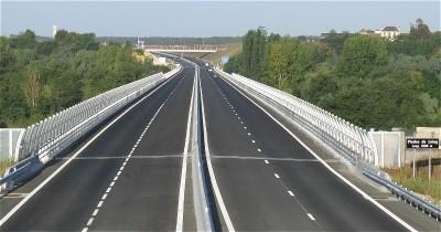 Le Viaduc du Loing, long de 1009 mètres