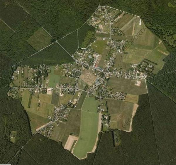 La Clairière de Paucourt, en plein coeur de la Forêt de Montargis, par Géoportail