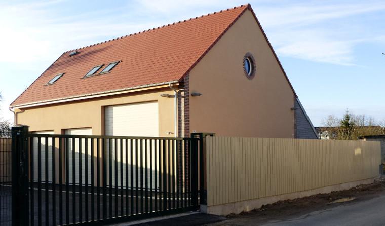 Travaux de construction du nouveau bâtiment destiné à abriter les services techniques de Paucourt - Etat d'avancement au18.01.2015.