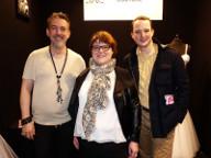 """Adelino et Vanessa, en compagnie de Julien Scavini, juré de l'émission de M6, """"Cousu Main"""", saisons 1 et 2."""